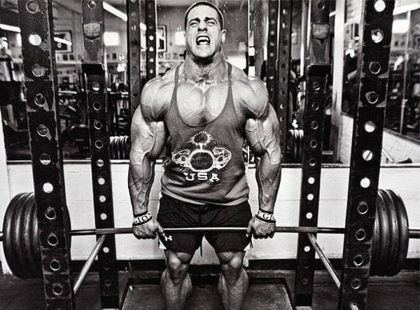 9 Tricks to Look Bigger Instantly