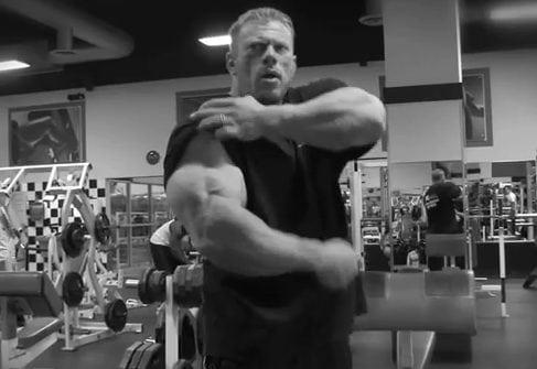 Dennis Wolf Trains Arms