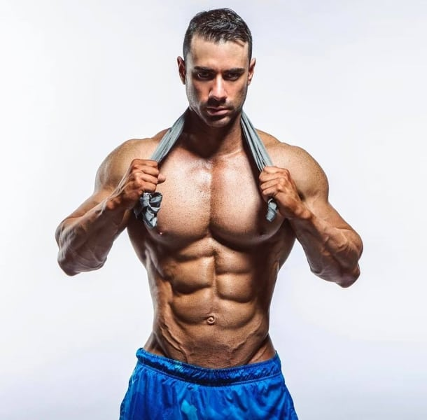 Cyberflexing.com Exclusive Interview With IFBB Pro Physique Athlete And Personal Trainer Alex Carneiro